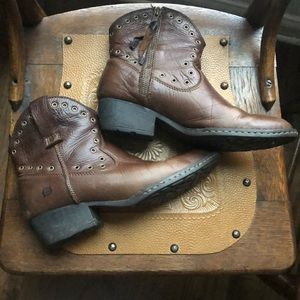 Born leather boots sz 8.5